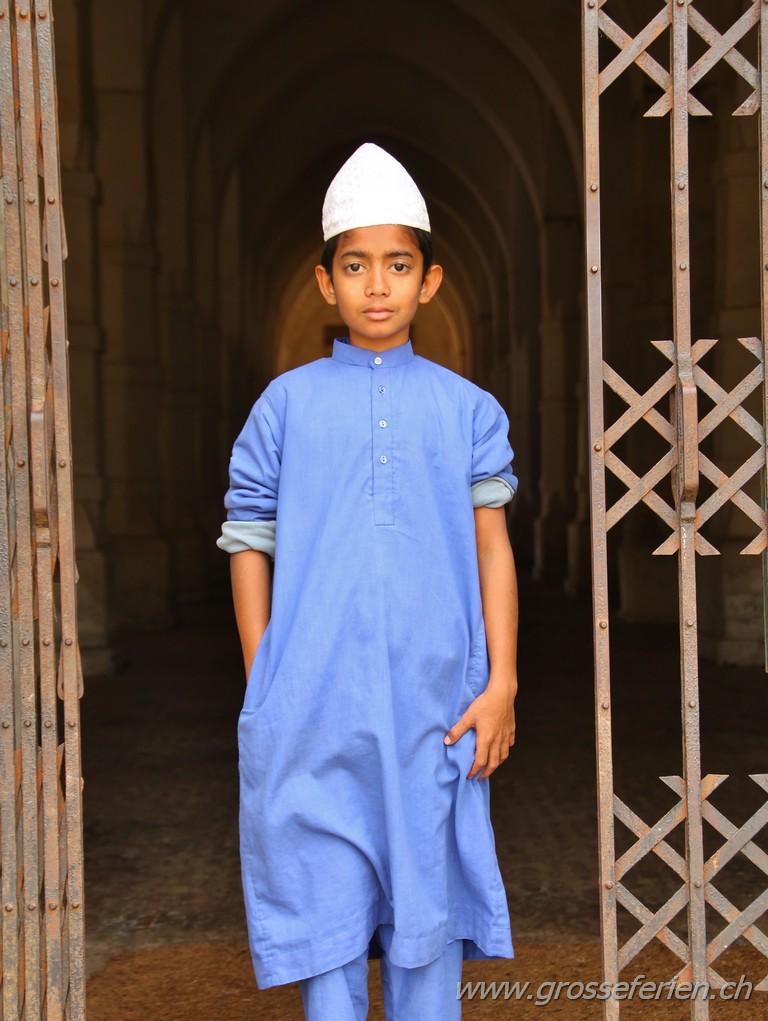 Bangladesh, Bagerhat, Boy