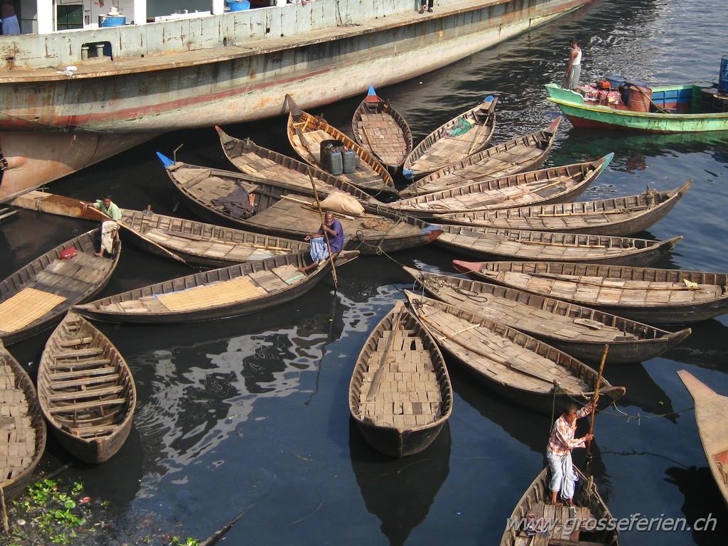 Bangladesh, Dhaka, Boats