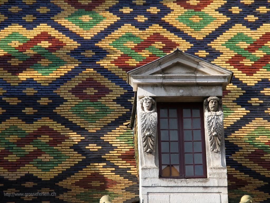 France, Burgundy, Dijon, Roof