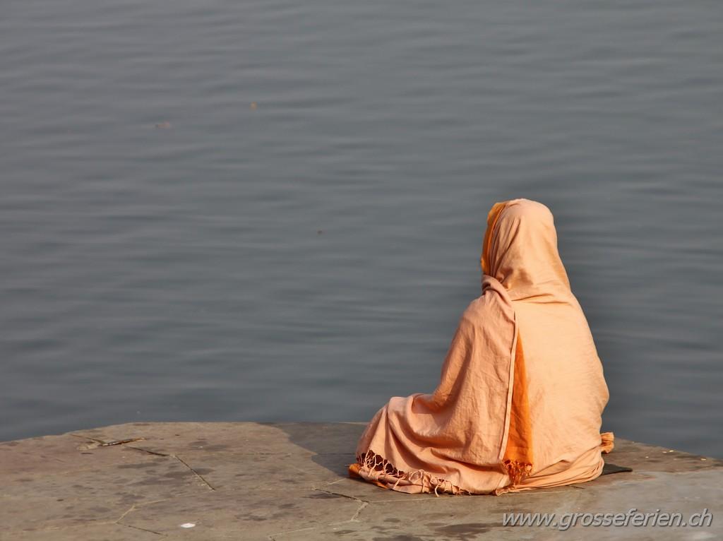 India, Varanasi, Man