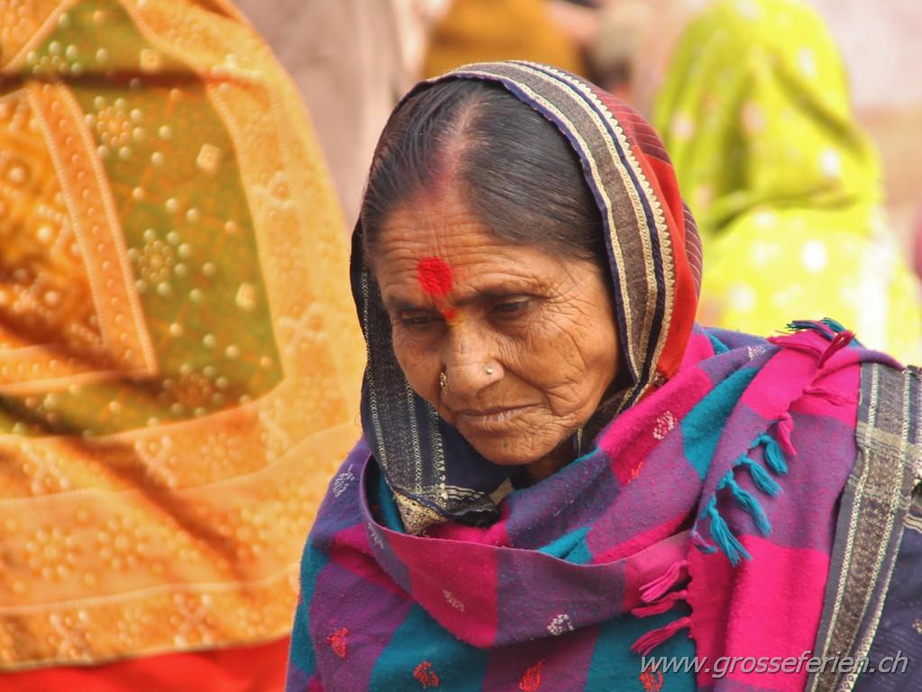 India, Varanasi, Woman