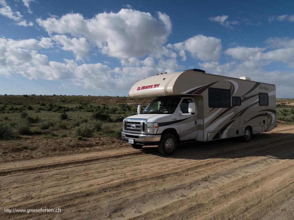 USA, Chaco Canyon, Road