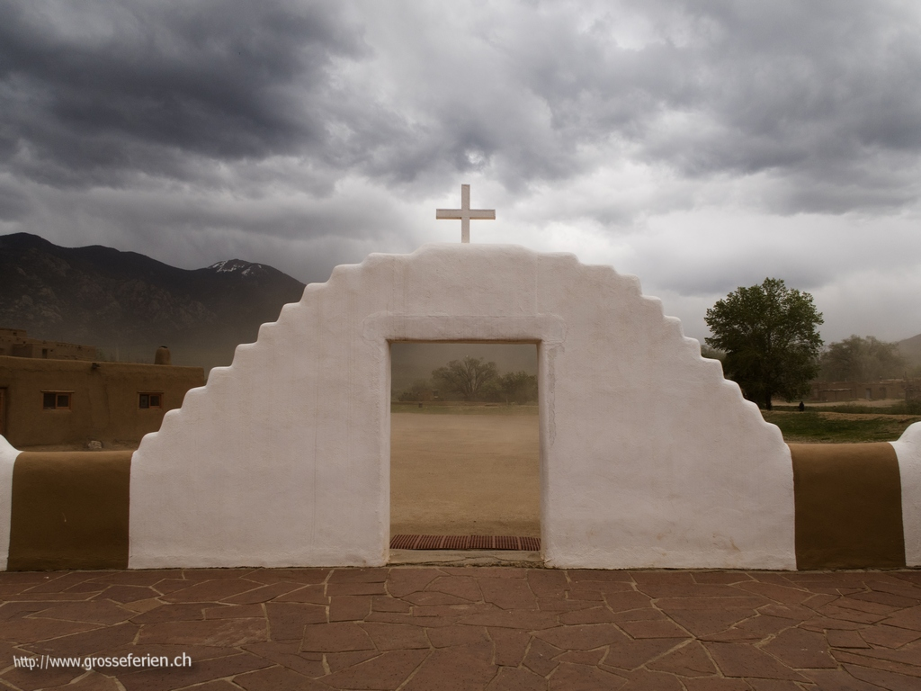 USA, Taos Pueblo, Church