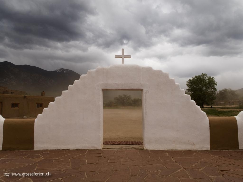 USA, Taos Pueblo, Church